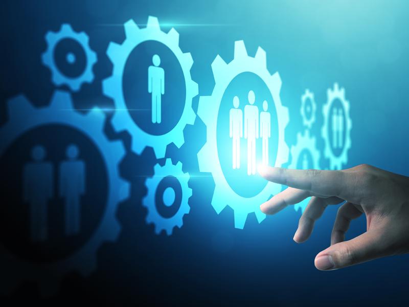 link-technolo9gy-organization-strategy-man-poinitng